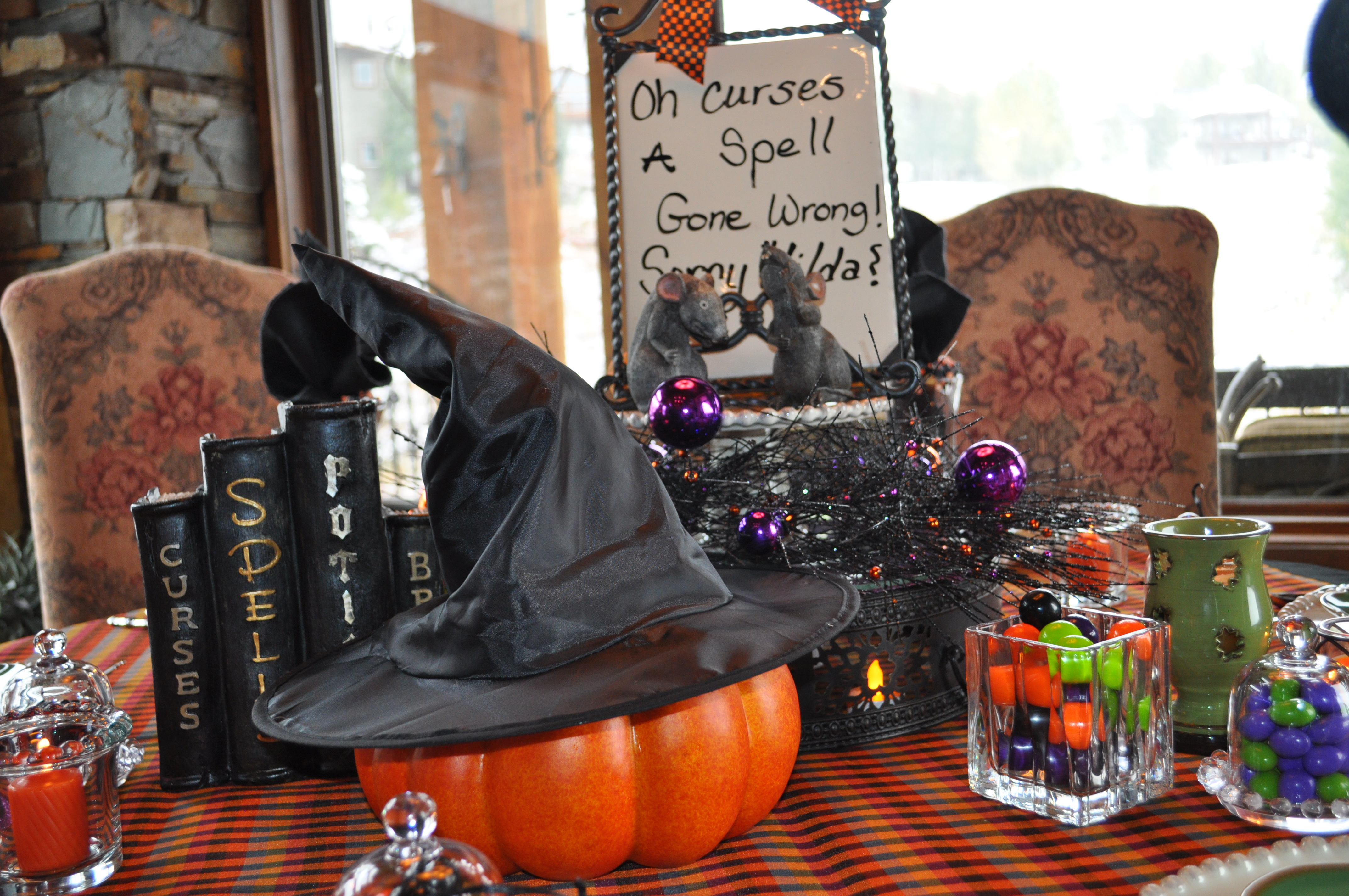Halloween tablescapes - When I Think Of Hocus Pocus The Movie It S One Of My Halloween Favorites Purples Greens And Oranges Pop Into My Head All Kind Of Whimsy